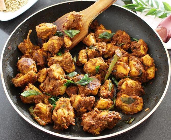 Chicken roast dry kerala style vimmys recipe world chicken roast dry kerala style forumfinder Images