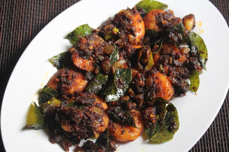 Prawn Roast recipe, Prawn Fry recipe, seafood recipe, prawns dry recipe, kerala cooking, kerala dishes, kerala recipes, kerala cuisine, south indian recipes, spicy seafood recipe