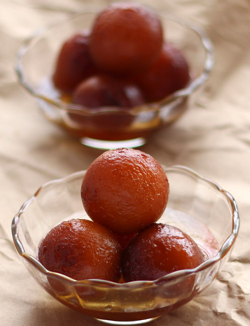 Gulab Jamun recipe, indian sweet recipe, diwali sweets recipe, dessert recipe, gulag jamun with milk powder recipe