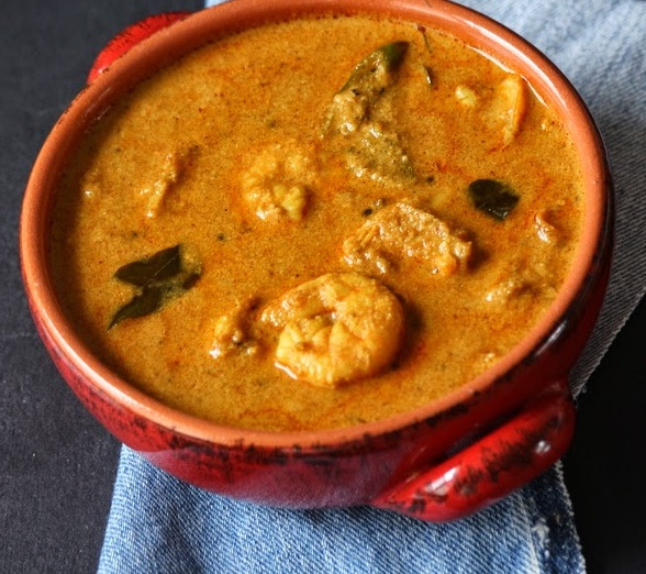 Malabar Chemmen Curry, malabar prawns curry recipe, prawns curry with thick gravy recipe, kerala recipe, indian recipe, nadan recipe