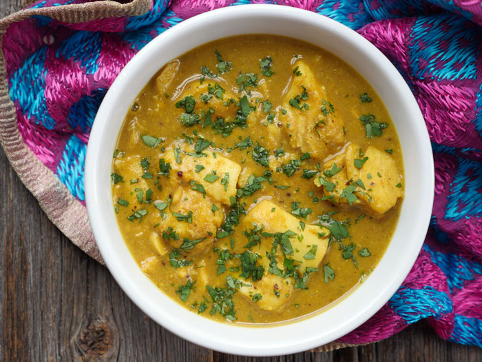 Fish Curry with Coconut Milk recipe, fish curry with step by step pictues, easy fish curry recipe, kerala style fish curry with coconut milk