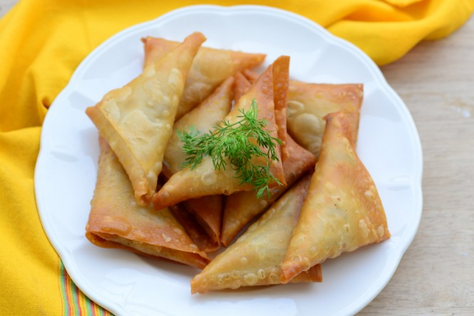 chicken samosa kerala style, chicken samosa indian snack, chicken samosa with step by step pictures, easy chicken samosa recipe