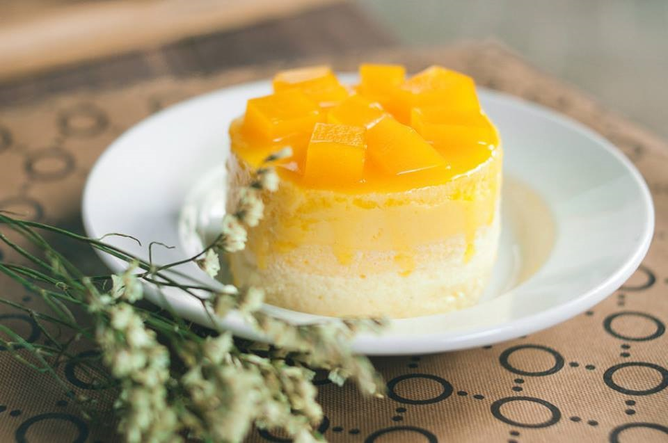 Mango mousse recipe, easy mango mousse recipe, mango mousse with step by step pictures, easy mango dessert