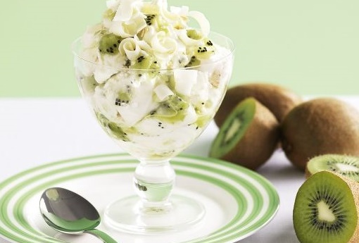 Kiwi Cream Delight, easy dessert recipe with whip cream and kiwi, fruit dessert with kiwi