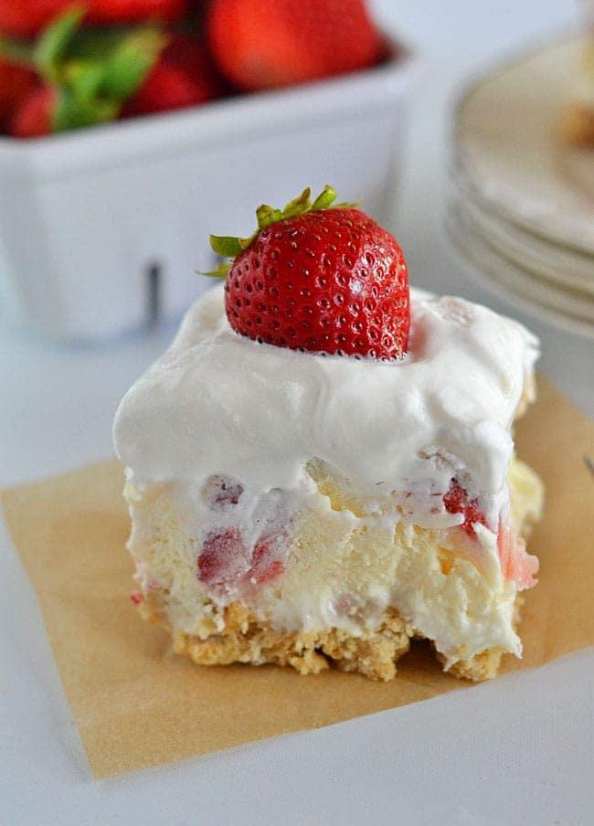 Strawberry Lush Delight, strawberry dessert with cream, easy strawberry dessert